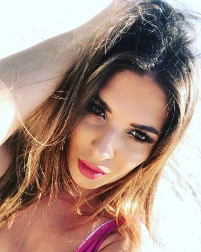 Gösterişli tecrübeli kız Nazan
