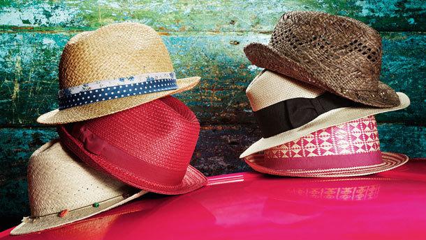 Meşhur şapka sergisi Vakko'da!